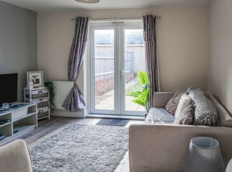 living room 39BYT